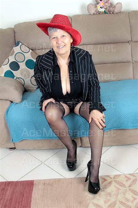 mature escort in berkshire jpg 667x1000