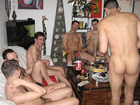 party male naked jpg 999x753