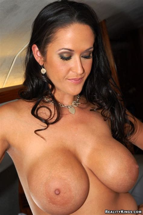 Sexy gianna youtube jpg 602x900